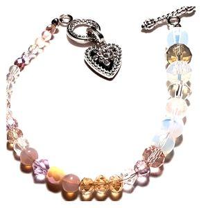 Ladies glass bead bracelet